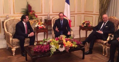 French President Francois Hollande (C)  met with former Lebanese  PM Saad Hariri    in Riyadh in the presence of  French Foreign Minister Laurent Fabius
