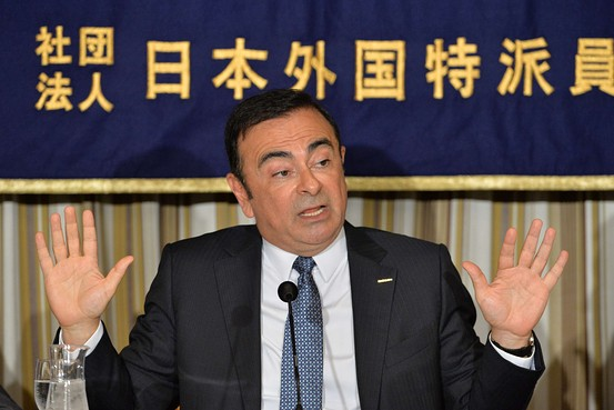 Carlos Ghosn - hands free nissan