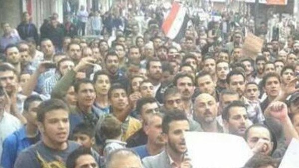 The protest was the first of its kind by members of the Alawite sect from which President al-Assad drawn staunch support since the 2011 uprising against his rule. (Al Arabiya)