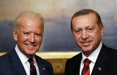 U.S. Vice President Joe Biden (L) meets with Turkey's President Tayyip Erdogan at Beylerbeyi Palace in Istanbul November 22, 2014. REUTERS/Murad Sezer