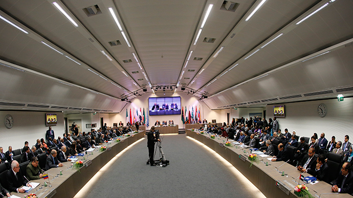 OPEC oil ministers attend the OPEC meeting in Vienna (Reuters / Leonhard Foeger)