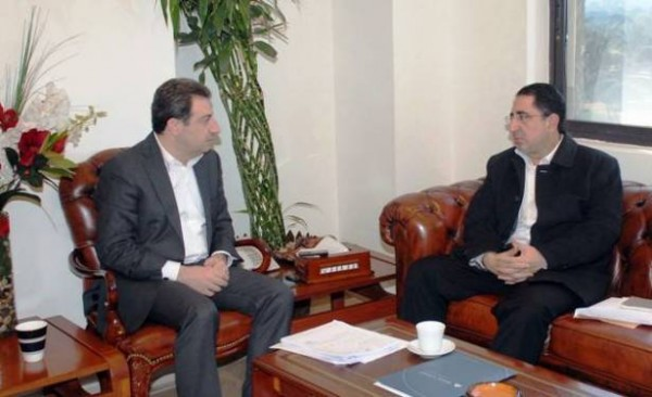 Health Minister Wael Abu Faour (L)  with Industry Minister Hussein Hajj Hassan on Dec. 30, 2015.
