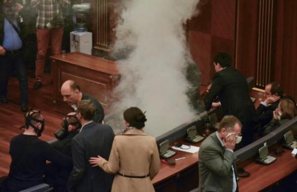 Tear gas halts Kosovo Parliament debate on new president