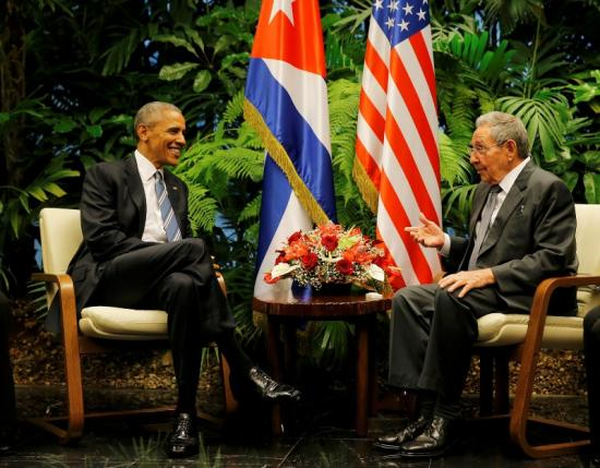 U.S. President Barack Obama and Cuba's President Raul Castro hold their first meeting on the second day of Obama's visit to Cuba, in Havana March 21, 2016.     REUTERS/Carlos Barria