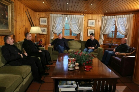 A Hezbollah delegation held talks Monday with  Marada Movement leader MP Suleiman Franjieh at his residence in Banshie .The delegation included  Hezbollah secretary-general's political aide Hussein Khalil and the head of the Liaison and Coordination Comittee Wafiq Safa  NNA said. Public Works Minister Youssef Fenianos of Marada and Franjieh's son Tony attended the meeting.