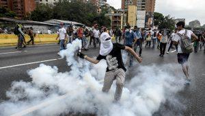 Death toll mounts in Venezuelan anti-Maduro protests