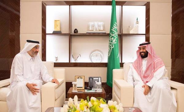 Crown Prince Mohammed bin Salman receives Qatari Sheikh Abdullah bin Ali bin Abdullah bin Jassem Al Thani at the Peace Palace in Jeddah.