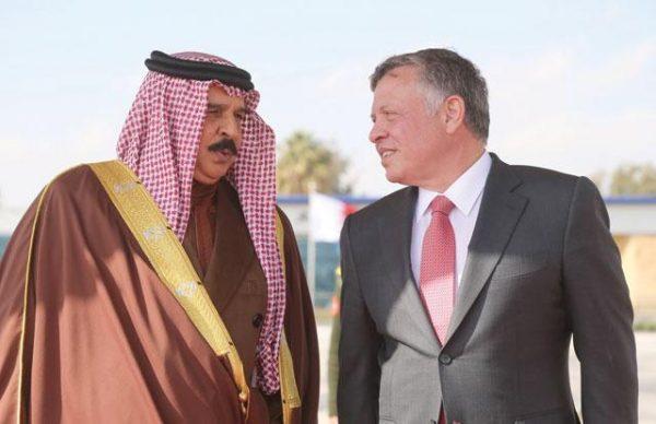 King Abdullah of Jordan (R) with King Hamad Bin Isa Al Khalifa of Bahrain