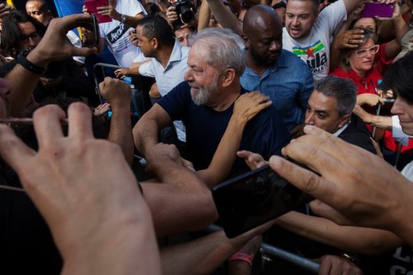 Luiz Inácio Lula da Silva, the former president of Brazil is shown before surrendering to the police to begin serving a 12-year prison term. Credit Lalo de Almeida for The New York Times