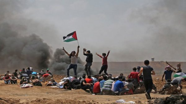 palestinians demonstrate