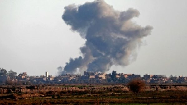Smoke billows over the outskirts of Hajin in Syria's eastern Deir Ezzor province on December 15, 2018 after US-backed forces expelled the Islamic State group from the village Smoke billows over the outskirts of Hajin in Syria's eastern Deir Ezzor province on December 15, 2018 after US-backed forces expelled the Islamic State group from the village AFP