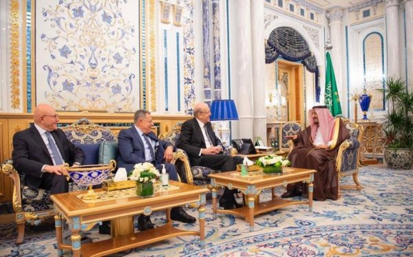 King Salman  (R) received at the Al Salam Palace  Lebanese former prime ministers Najib Mikati, Fouad Siniora and Tammam Salam on Monday according to the Saudi Press Agency (SPA).