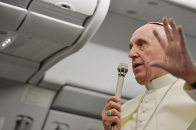 pope-francis-on-plane
