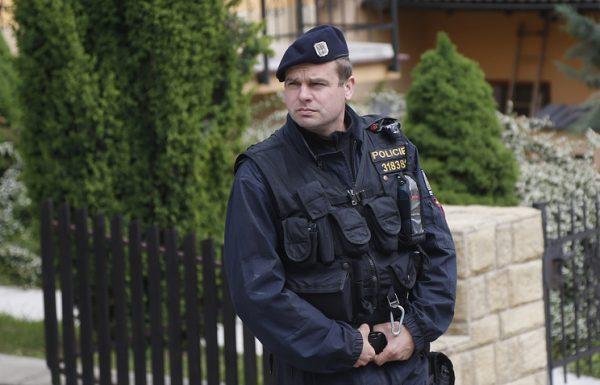 czech-police-officer