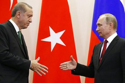 Russian President Vladimir Putin, right, and Turkish President Recep Tayyip Erdogan