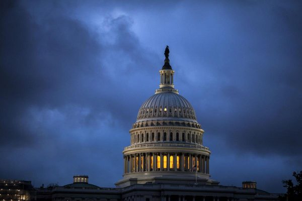 Dems aim for, and GOP worries about, midterm election wave