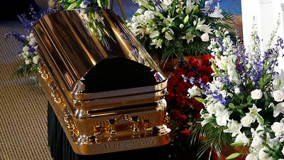 Celebrities, politicians flock to Floyd's memorial service in ...